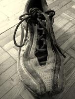 Das Bild zeigt einen Laufschuh - Es symbolisiert die Bedeutung von Sportevents für das Hotelmarketing in großen Städten wie Wien