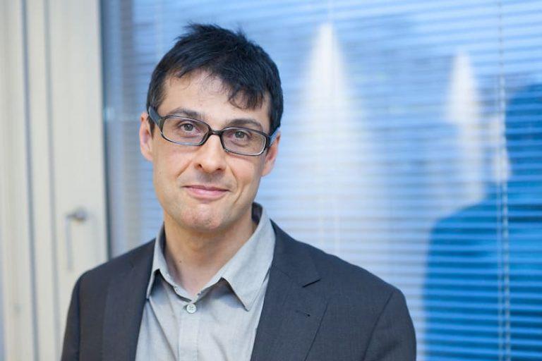 Das Bild zeigt ein Porträtfoto von Mag. Markus Leiter, Webdesigner und Stratege für Firmenwebsites